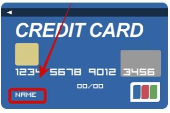 クレジットカードの名前のスペルを確認している